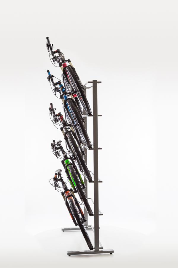 ekspozytor-rowerowy-na-5-rowerow-przyscienny-stojak-na-5-rowerow-neox-pro